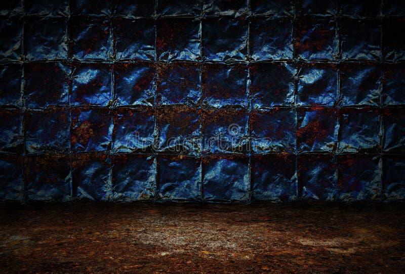 Промышленная предпосылка grunge, стены темной комнаты ржавых металлических пластин и пакостный пол металла стоковое фото