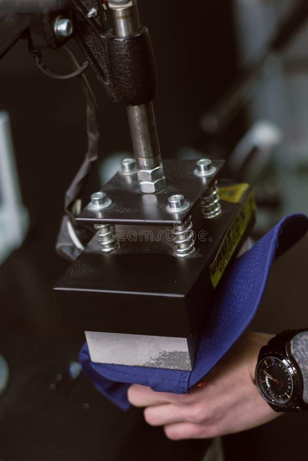 Промышленное печатание на продуктах стоковое изображение rf
