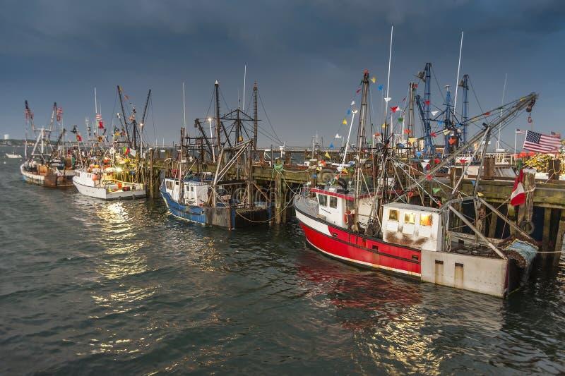 промышленное рыболовство шлюпок стоковая фотография rf