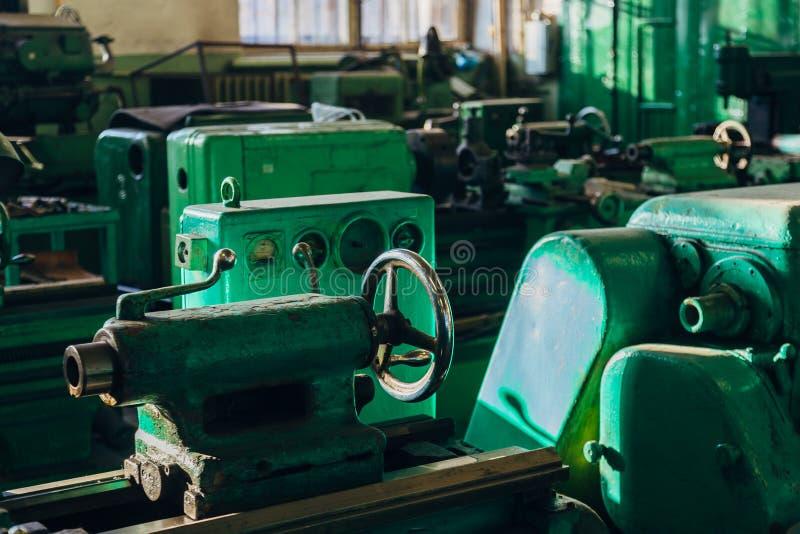 промышленные механические инструменты Близкий поднимающий вверх взгляд клапана стоковое изображение