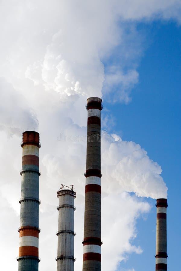 промышленные стога дыма стоковое изображение rf