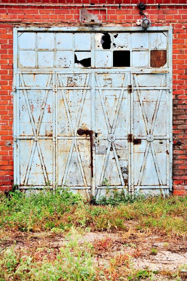Промышленная деталь с старым стробом склада стоковое фото rf