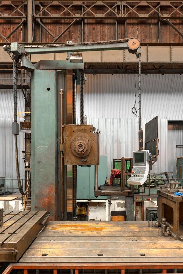 Промышленная машина в фабрике стоковое изображение rf