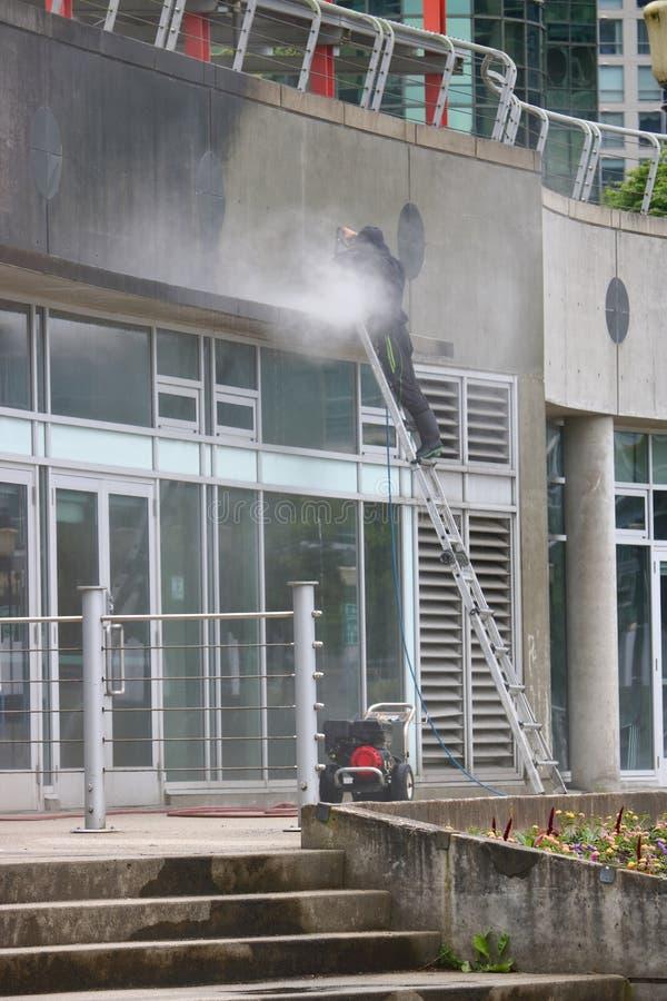 Промышленная сила моя вне здания стоковые фото