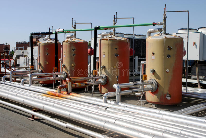 Промышленный боилер системы отопления термального завода стоковое изображение
