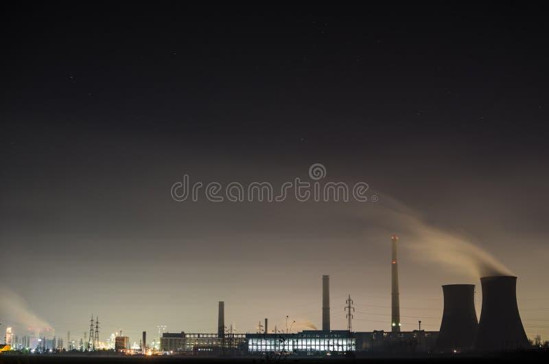 промышленный взгляд ночи стоковая фотография rf