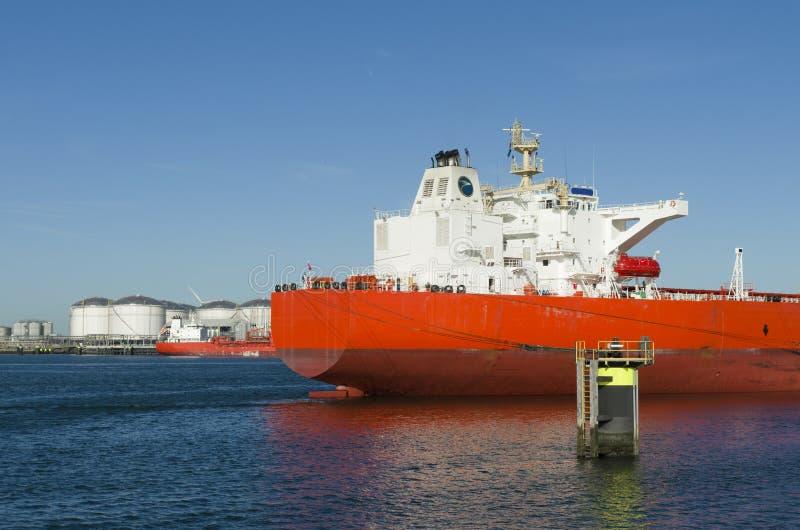 Download Промышленный корабль стоковое изображение. изображение насчитывающей индустрия - 33725475