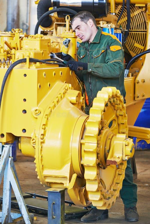Промышленный работник сборщика стоковое изображение rf