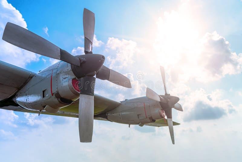 Пропеллер 2 воздушных судн двигателя максимума летания самолета турбовинтового самолета стоковое изображение rf