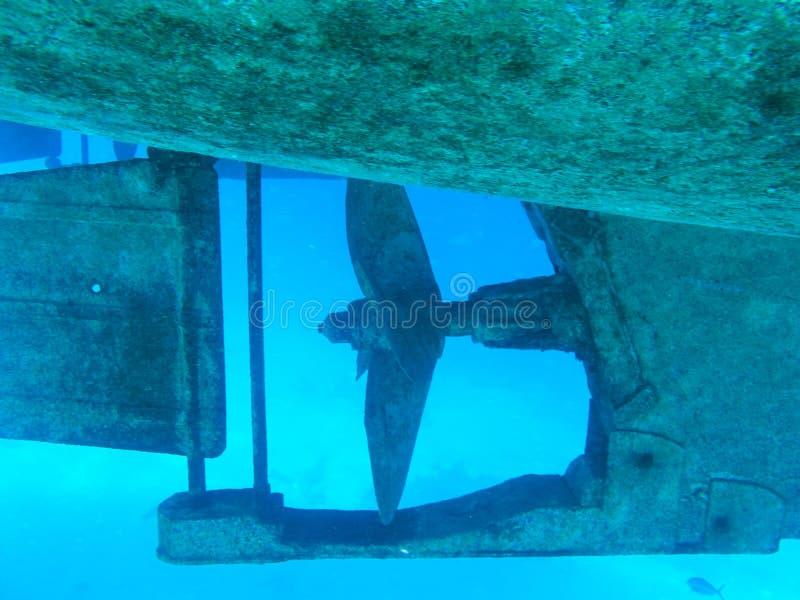 Пропеллер шлюпки металла в Красном Море Подводное изображение стоковое фото