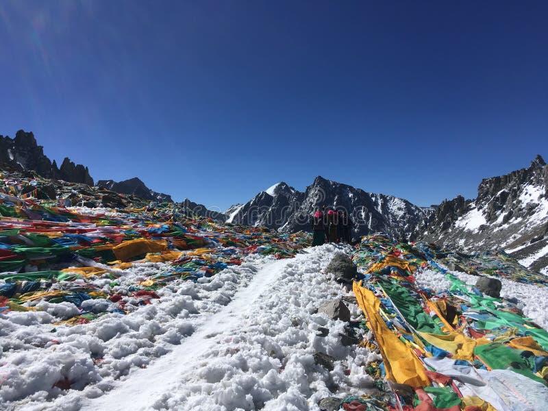 Пропуск Ла Dolma - Mount Kailash Kora весной в Тибете в Китае стоковое изображение