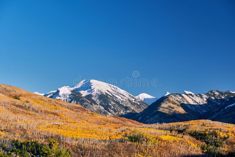 Пропуск Kebler в горы Колорадо скалистые стоковое фото