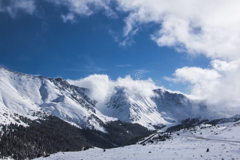 Пропуск Loveland в Колорадо стоковые фотографии rf