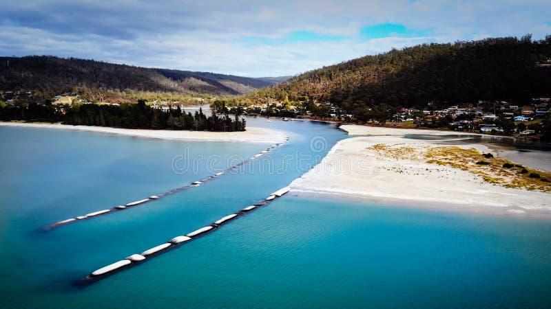 Просер-Бей Рядом С Орфордом В Tasmania Australia Drone View стоковые изображения rf