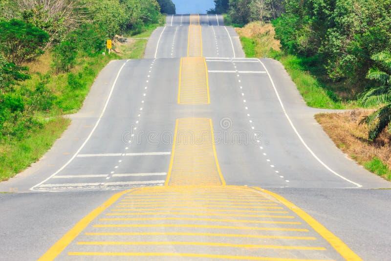 Проселочная дорога страны стоковое изображение rf