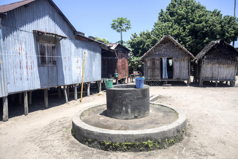 Простая хата на малагасийской сельской местности, Мадагаскаре стоковое фото