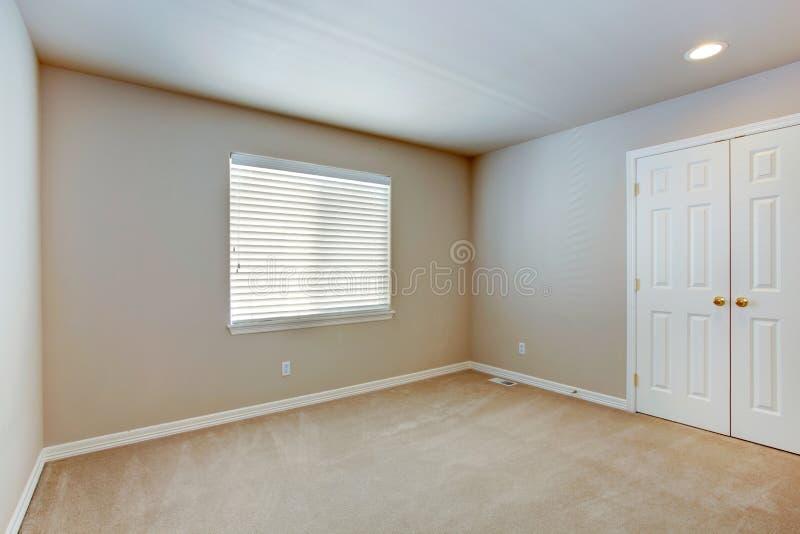 Простой пустой интерьер комнаты стоковое изображение