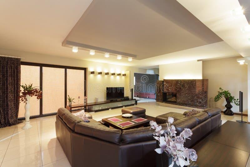Просторная живущая комната стоковая фотография rf