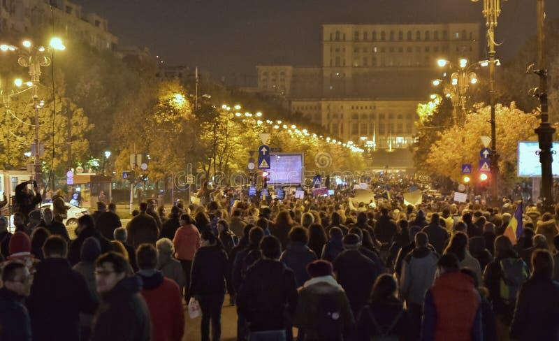 Download Протест Бухареста, дорабатывая законы правосудия Редакционное Стоковое Фото - изображение: 103266958