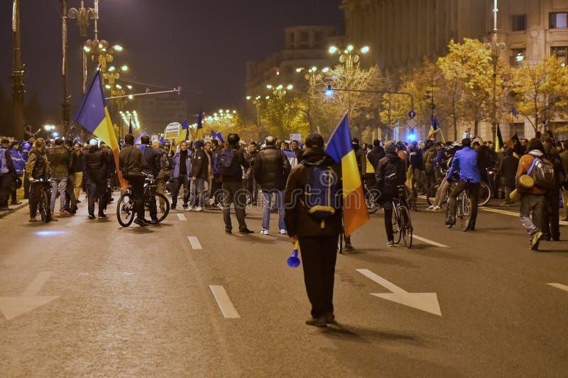 Download Протест Бухареста, дорабатывая законы правосудия Редакционное Стоковое Фото - изображение: 103267038