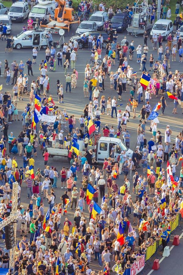 Протест диаспоры в Бухаресте против правительства стоковое изображение rf