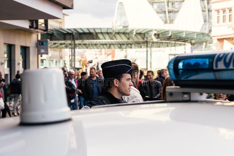 Протест наблюдения полиции в Франции против macron стоковые изображения