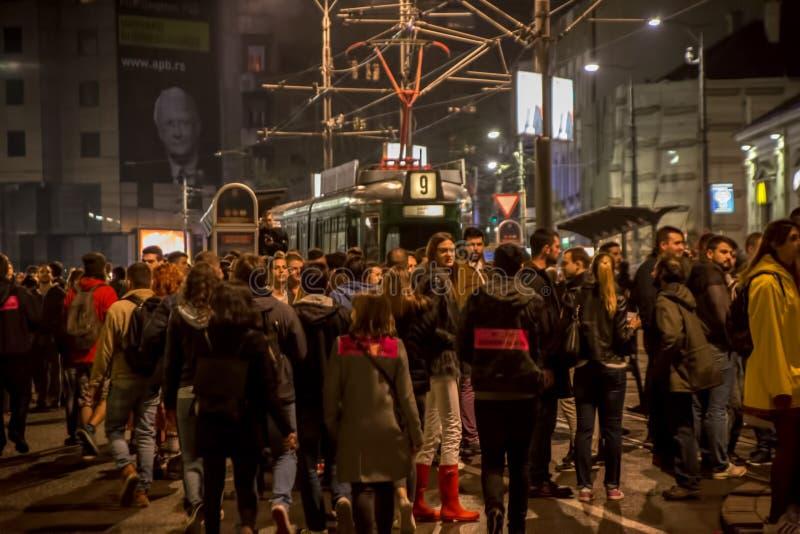 Протест против избрания премьер-министра Aleksandar Vucic как президент, Белград стоковое фото rf
