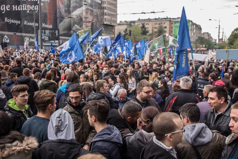 Протест против избрания премьер-министра Aleksandar Vucic как президент, Белград стоковая фотография rf