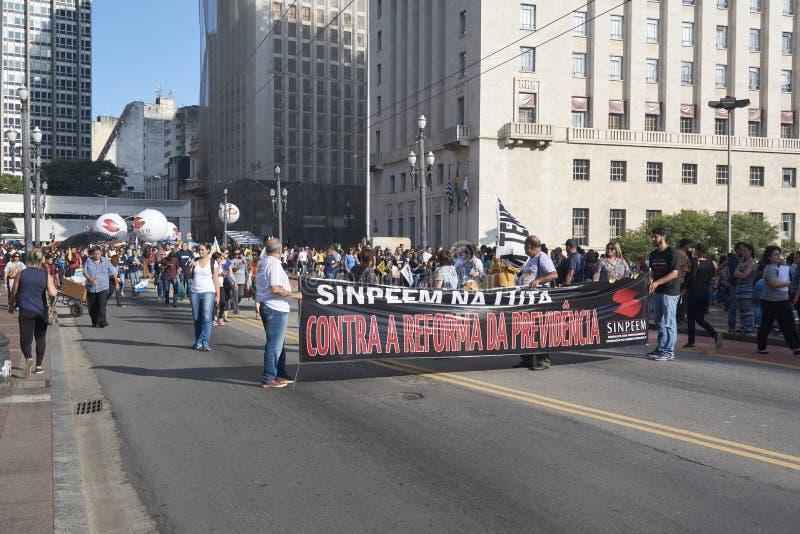Протест учителей против реформы социального обеспечения sao Бразилии paulo стоковые изображения rf