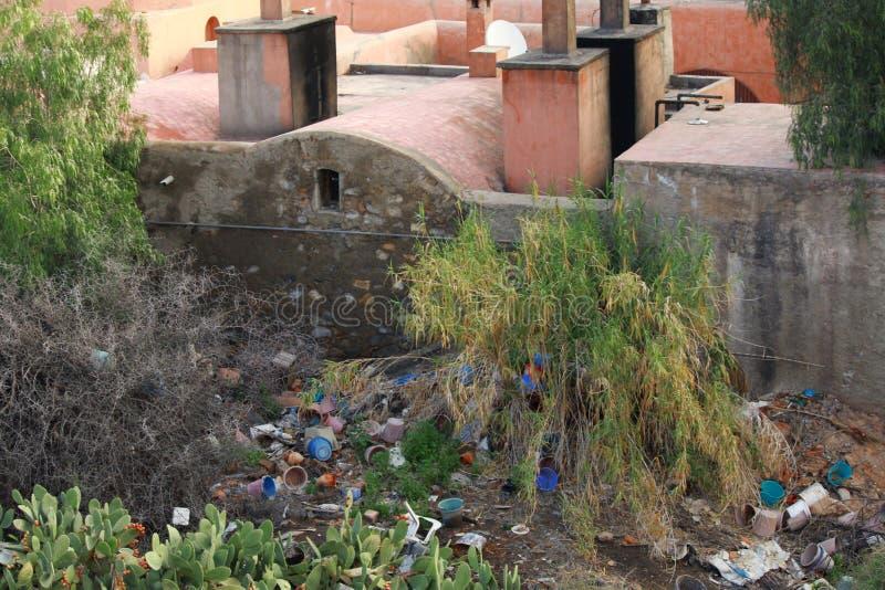 Противозаконный сброс в Marrakesh Medina Марокко стоковые изображения rf