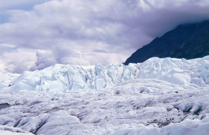 против гор matanuska ледника стоковые фото