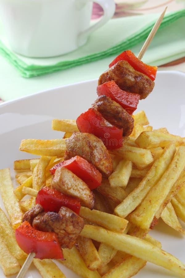 Download протыкальники цыпленка стоковое изображение. изображение насчитывающей цыпленок - 18399531