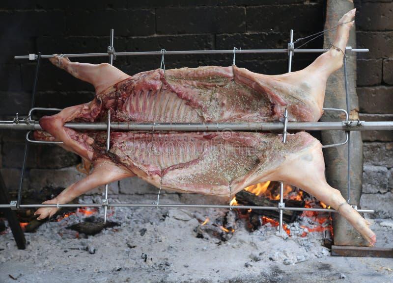 Протыкальник зажаренного в духовке свинины с медленным огнем стоковые фотографии rf