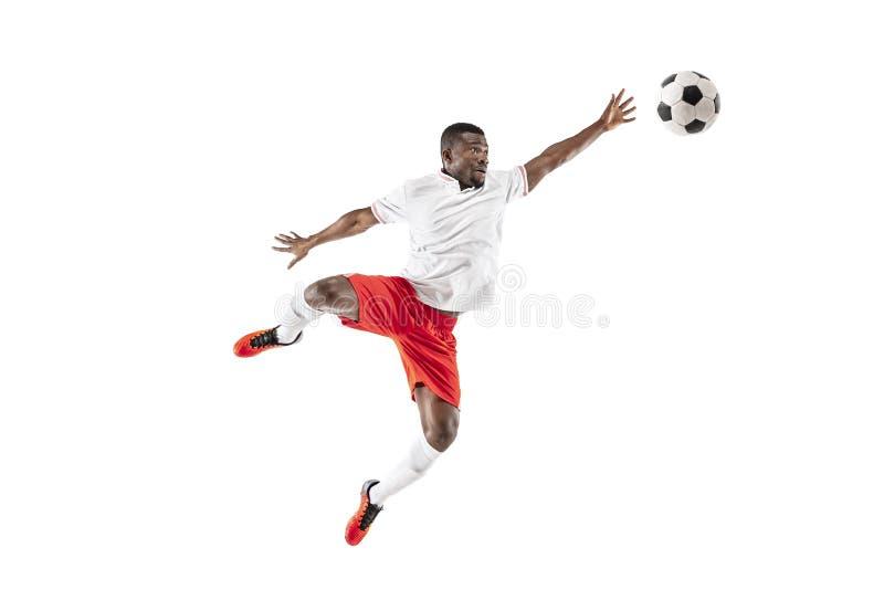 Профессиональный африканский футболист футбола изолированный на белой предпосылке стоковые изображения rf