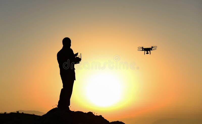 профессиональный пилот и управление воздушных судн стоковое изображение