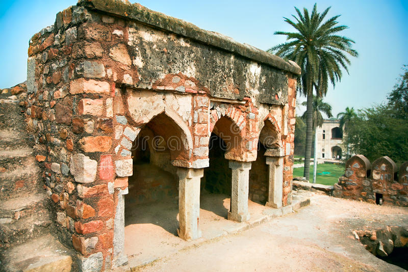 Проход сада Lodi в городе Дели, Индии стоковое изображение