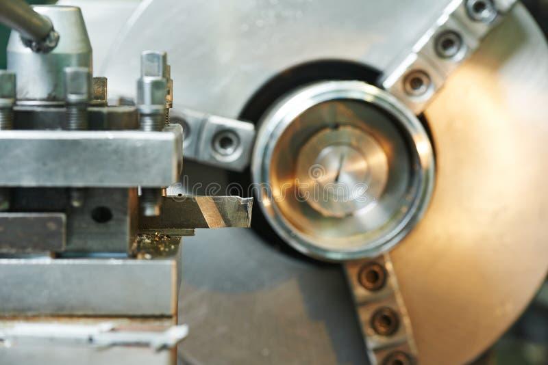 Процесс конца-вверх подвергать механической обработке металла стоковая фотография rf