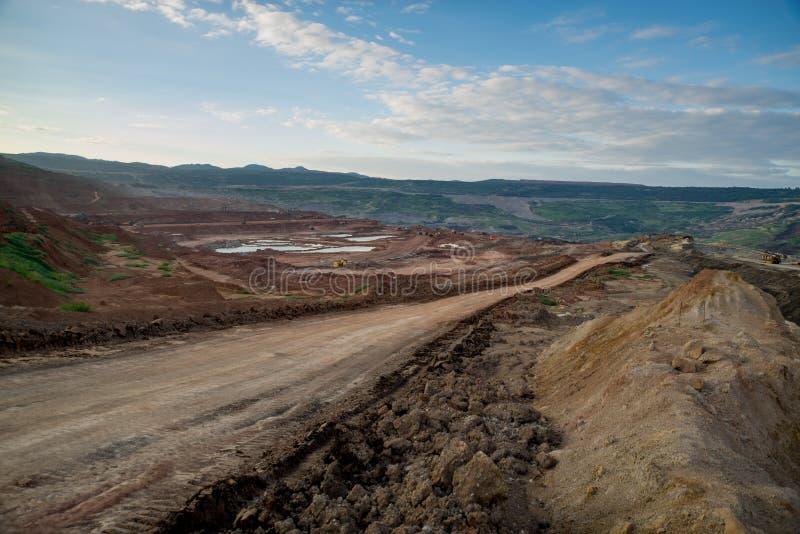 Процесс машинного оборудования в угольной шахте стоковое фото rf