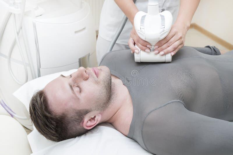 Процесс на lipomassage клиники стоковые фото
