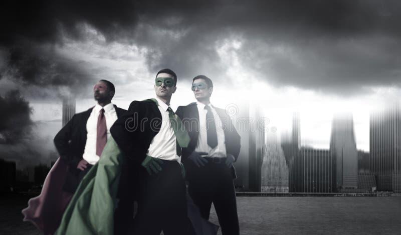 Прочности супергероя городского пейзажа бизнесмены концепции Cloudscape стоковая фотография rf