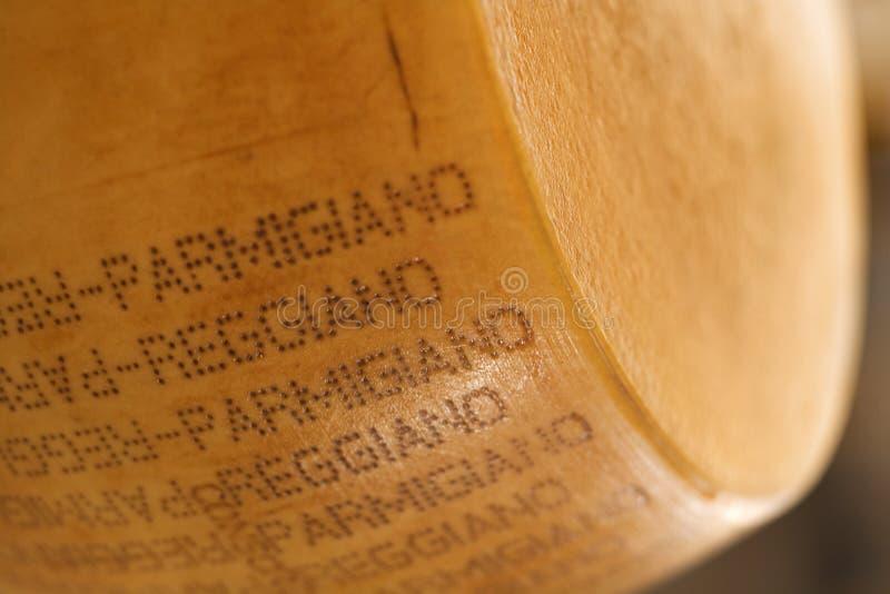 проштемпелеванный parmigiano сыра стоковые фотографии rf