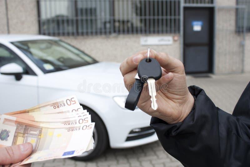 Продавать автомобиль стоковое фото rf