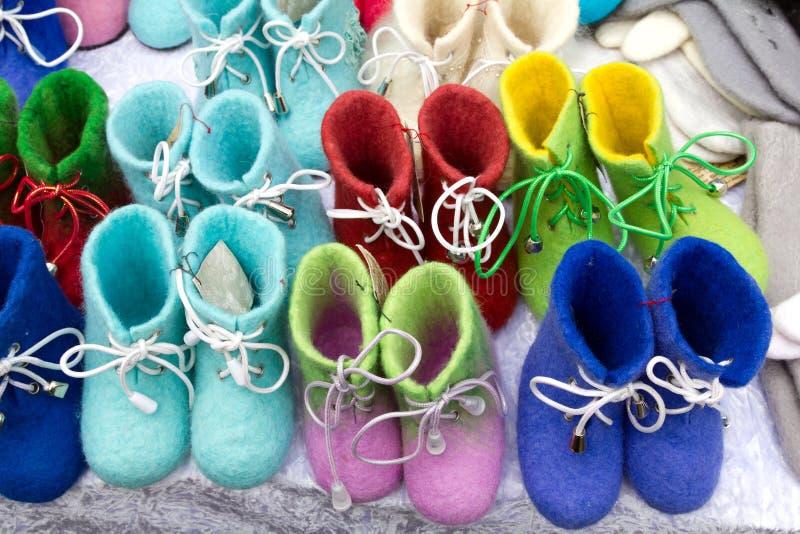 Продавать ботинки войлока стоковые изображения rf