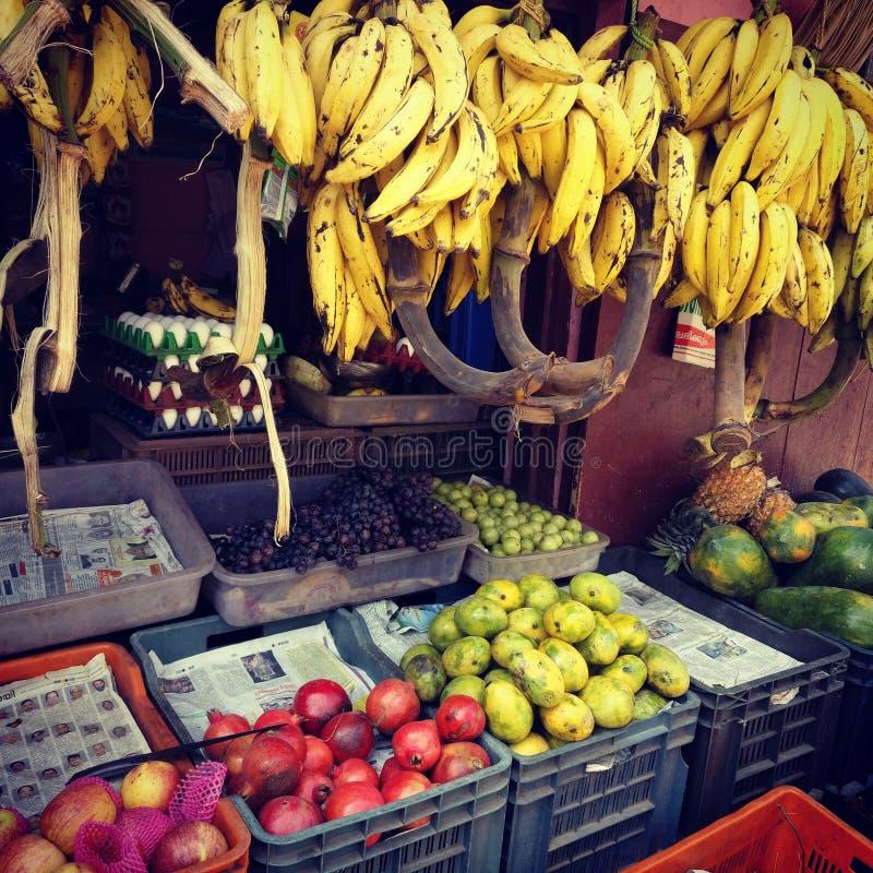 Продавец плодоовощ стоковое фото rf