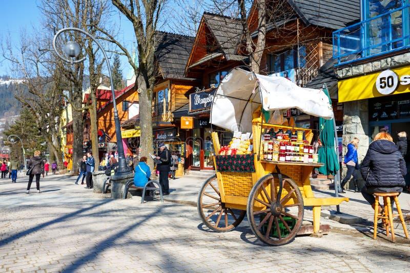 Продажи сыра oscypek и других продуктов питания стоковые фотографии rf