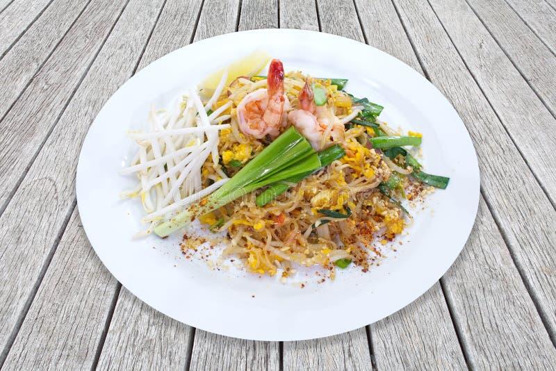 Проложите тайскую, тайскую stir-зажаренную лапшу риса, яичка стоковое фото rf