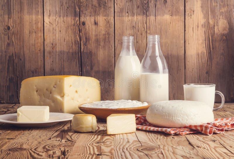 продукты изоляции молокозавода белые стоковая фотография rf