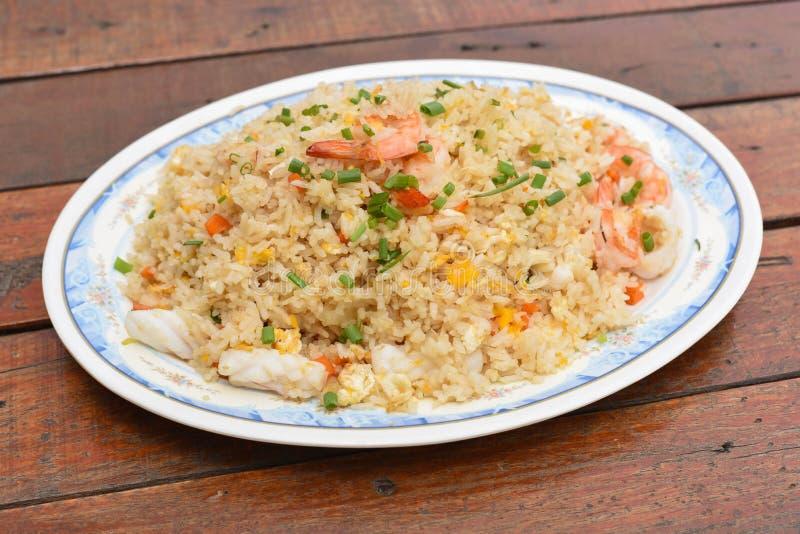 продукты моря зажаренного риса стоковая фотография