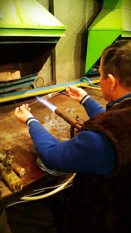 Продукция стеклянных игрушек рождества стоковая фотография rf