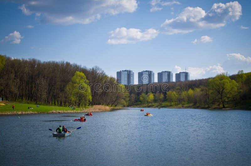 Пруд в парке названном после Belousov стоковые изображения